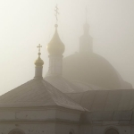 Мужской монастырь в тумане