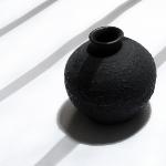 Черный кувшинчик